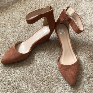 Adorable JC wedge dorsay shoes